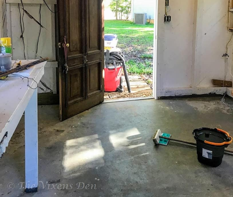 cleaning dirty concrete floor